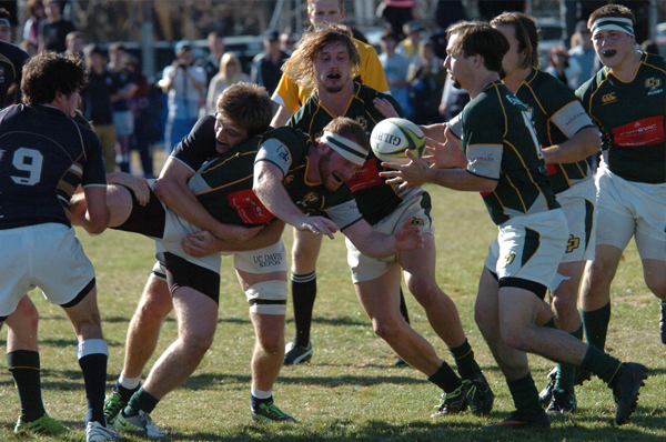 Vice Captain 8 Man John Joe Murphy giving a difficult offload against UC Davis. Photo Jan Piper
