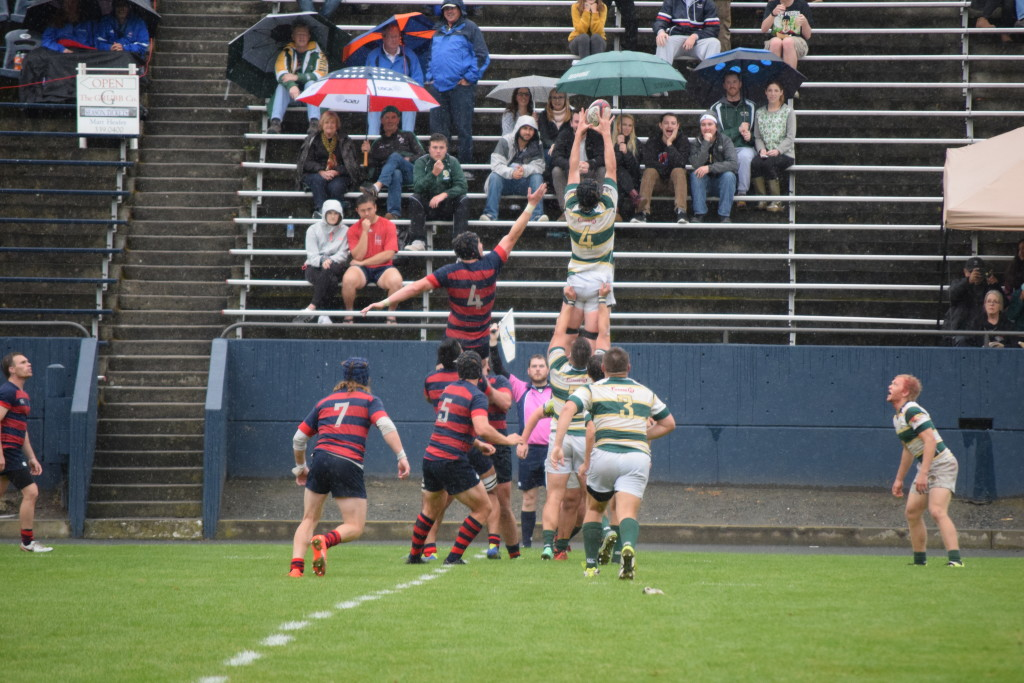 Cal Poly lineout against Saint Mary's. Photo Daniel Dempster
